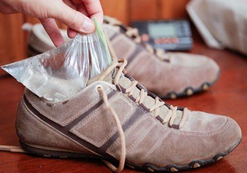 разнашиваем замшевую обувь